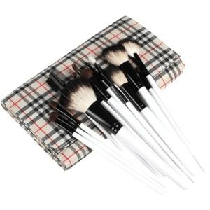Professional Vogue 20 Piece Brush Set